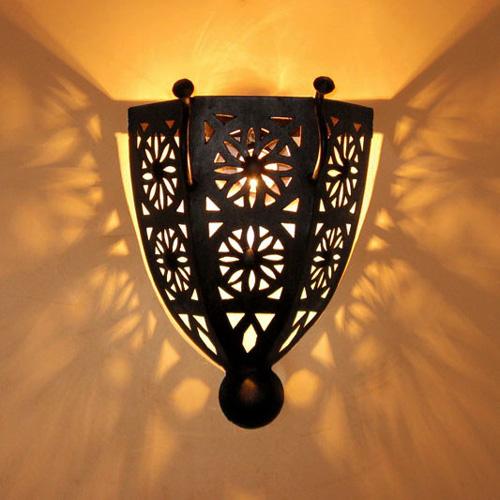 wandlampe aus kunstschmiedeeisen boha k albazar. Black Bedroom Furniture Sets. Home Design Ideas