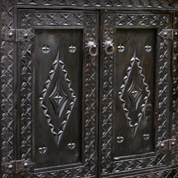 Orientalischer Holzschrank MAZAGAN-BERBER
